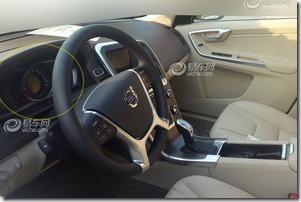 2014-Volvo-XC60-7[2]