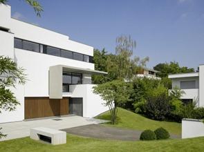 Casa-fachada-moderna-Alexander-Brenner-Architekten
