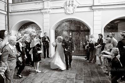 porocni-fotograf-wedding-photographer-poroka-fotografiranje-poroke- slikanje-cena-bled-slovenia-ljubljana-bled-hochzeitsfotografho (69).jpg