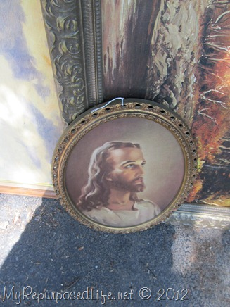 oval picture of Jesus