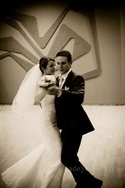 porocni-fotograf-wedding-photographer-ljubljana-poroka-fotografiranje-poroke-bled-slovenia- hochzeitsreportage-hochzeitsfotograf-hochzeitsfotos-hochzeit  (201).jpg