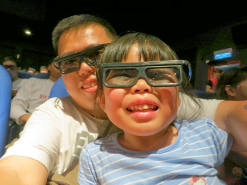 Yining with 3D glasses