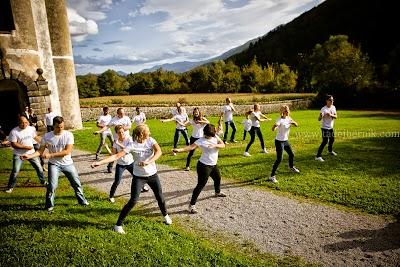 porocni-fotograf-wedding-photographer-poroka-fotografiranje-poroke- slikanje-cena-bled-slovenia-ljubljana-bled-hochzeitsfotografho (113).jpg