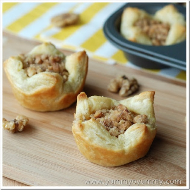 Sweet puff pastry cups