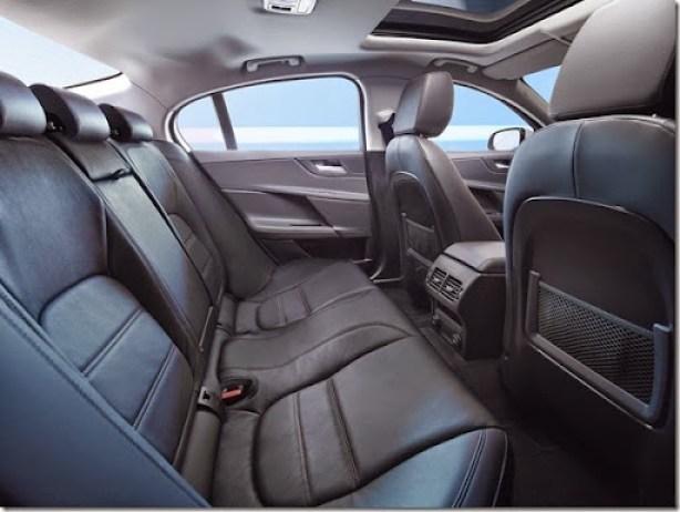Jaguar-XE-2015 (25)