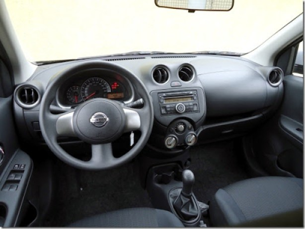 Nissan March SR  1.6 2013 (1)