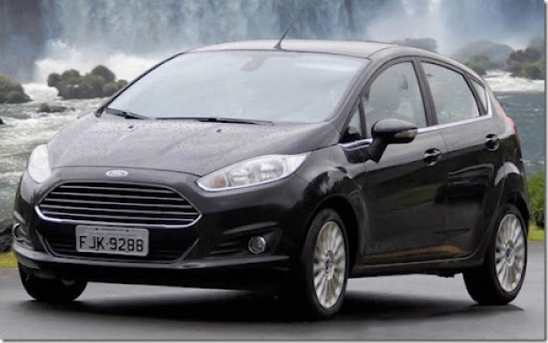 New-Fiesta-Titanium-2014-preto