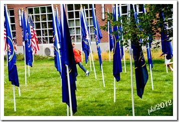 DSC_3212children-running-in-the-flags