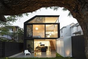 fachada-casa-moderna-cosgriff-christopher-polly