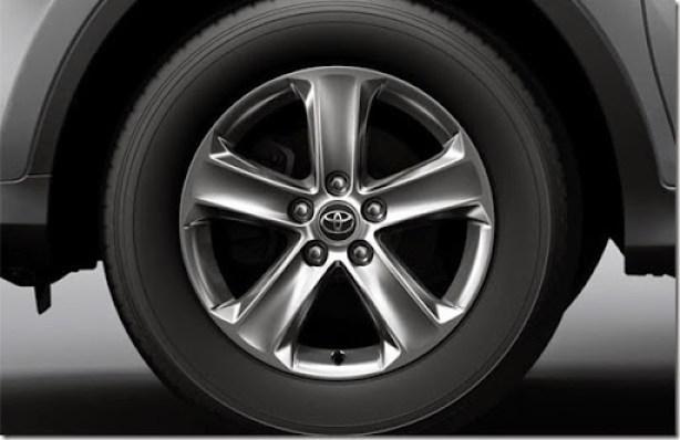 Toyota-RAV4-2015-CVT-TOP-4-620x400