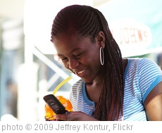 'Texting' photo (c) 2009, Jeffrey Kontur - license: http://creativecommons.org/licenses/by-nd/2.0/