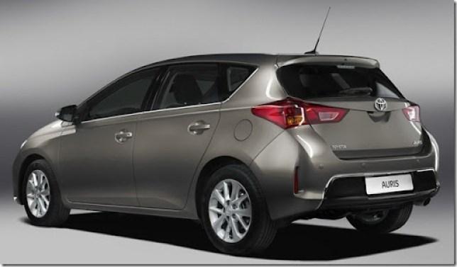 New-Toyota-Auris-4[2]