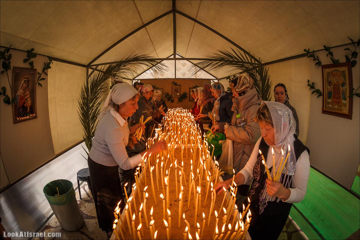 Пасхальное освящение куличей в Русской церкви в Яффо | Easter in russian church in Jaffa  | LookAtIsrael.com - Фото путешествия по Израилю