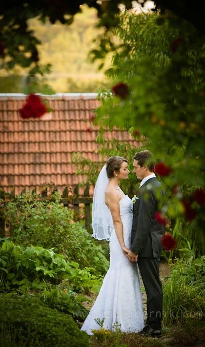 porocni-fotograf-wedding-photographer-ljubljana-poroka-fotografiranje-poroke-bled-slovenia- hochzeitsreportage-hochzeitsfotograf-hochzeitsfotos-hochzeit  (190).jpg