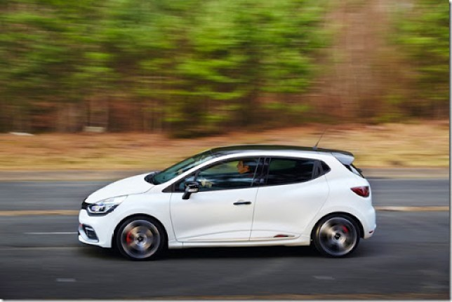 Renault-Clio-RS-220-Trophy-7