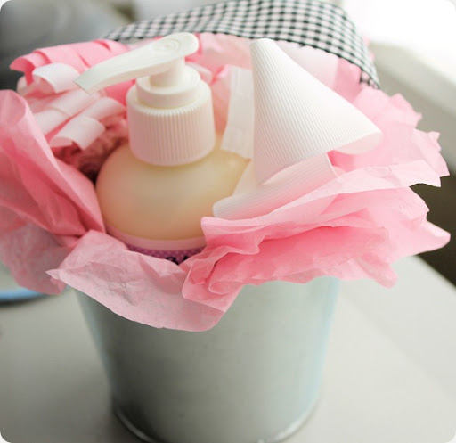 creative gift wrapping for baby shower