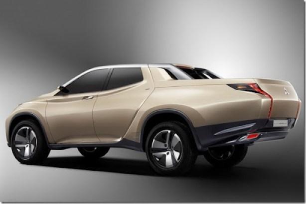 Mitsubishi-Hybrid-Pickup-1[2]