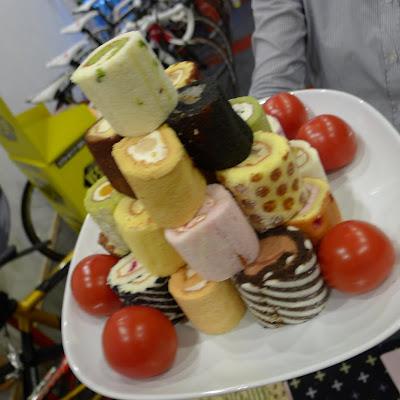 かわいいロールケーキちゃん