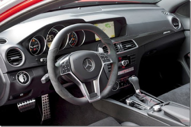 m-b-c63-coupe-black-seriesoficial22