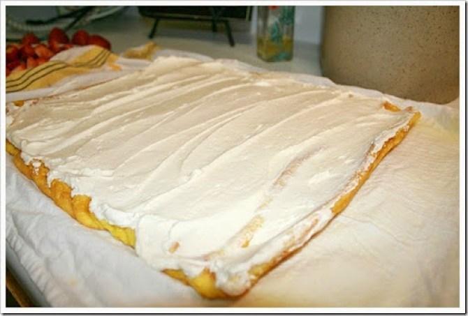 strawberry cream roll cake recipe
