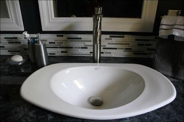 bathroom finished 013