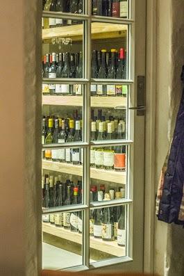 Vinskatkammeret- Anmeldelse af Den Vandrette vinbar -  Mikkel Bækgaards Madblog.jpg