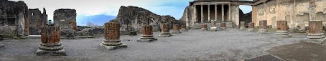 Pompeii visit with the Fuji X-E1 - the Basilica