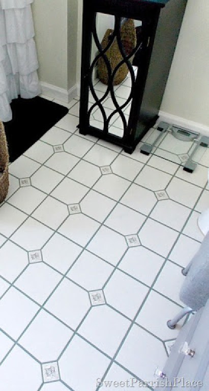 bathroom grout after3