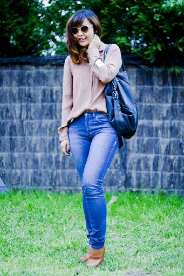 84e43b3b0f Mid week outfit - The story of the big black bag - Beige Renegade