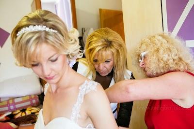 porocni-fotograf-wedding-photographer-poroka-fotografiranje-poroke- slikanje-cena-bled-slovenia-ljubljana-bled-hochzeitsfotografho (27).jpg
