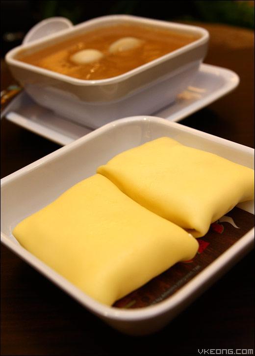 pillow shaped mango pancake my honeymoon dessert house malaysia food restaurant reviews