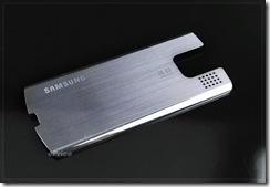 sonyericssont700-vs-samsungu800soul-07