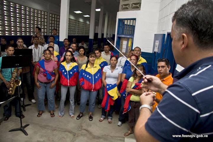 Ensayo general. Director Andrés Aragón. Centro penitenciario de la Región Andina, Mérida. 23-07-2009. Fotografía: Amilciar Gualdrón.