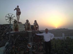गान्धी हिल्स पर सूर्योदय (१५.४.२०१०)