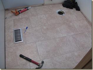 weekend bathroom redo 016