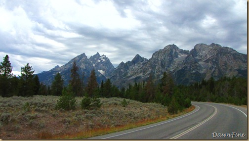 Drive in tetons_20090913_081