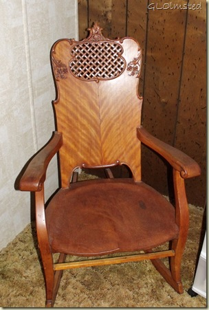 01 Nursing rocker at Mom's San Benito TX (689x1024)
