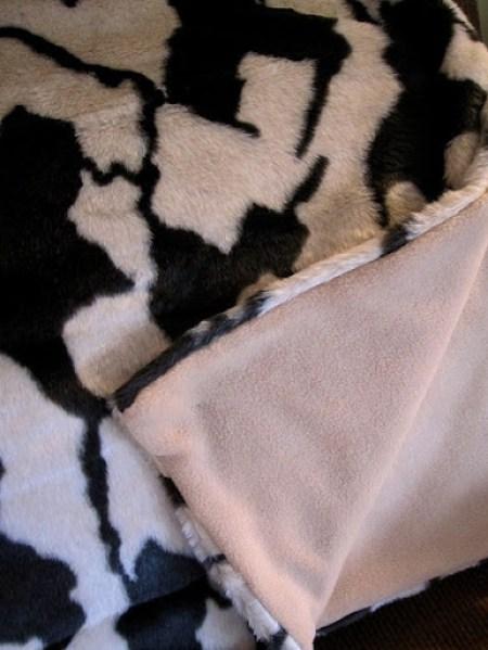 make a faux fur blanket