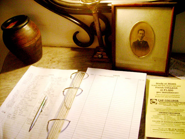 Casa Osmenas log book. The house is well maintained and is located not far from Robinson and Fuente