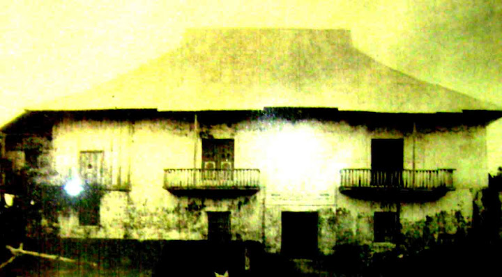 Photo of Siqiojors Iglesia de San Francisco convent at the turn of the century