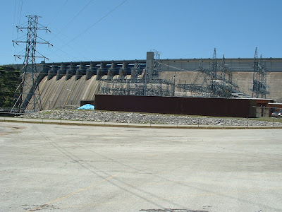 Table Rock Dam and powerhouse.