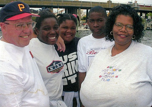 World's Largest Natural Breasts (Norma Stitz) 08