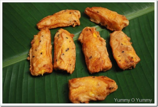 Ethakka Appam / Banana Fritters