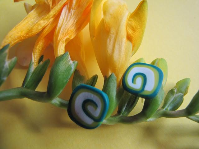 Cercei handmade din Fimo -primavara, surub