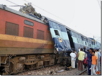 india-train-crash-2009-10-21-3-40-38