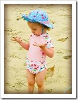 IMG_0678-Kaylin-sand-on-hands
