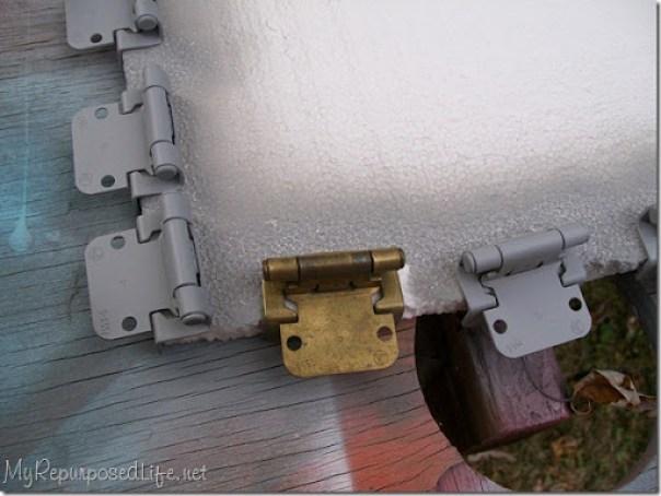 spray painted hinges