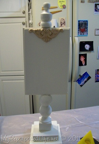 pedestal display stand decor