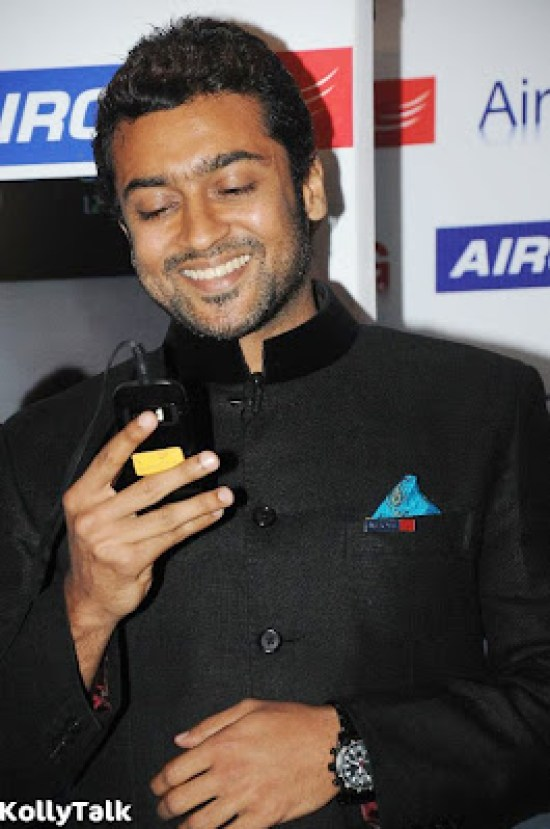 Surya launches Aircel 3G Stills 5