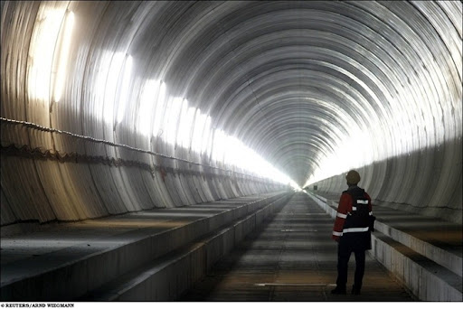 longest-rail-tunnel (2)